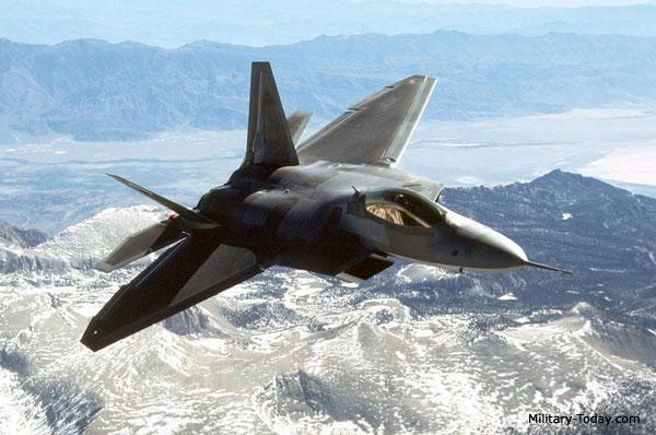 Nr.1-Lockheed-Martin-Boeing-F-22-Raptor-USA