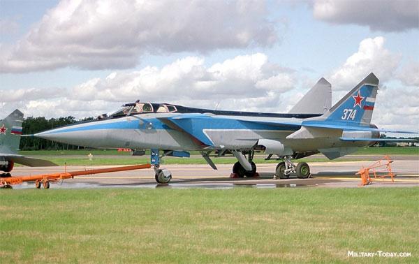 Nr.7-Mikoyan-MiG-31-Russia