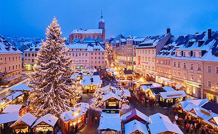Uk Christmas Celebrations Decorations Lights Get Go