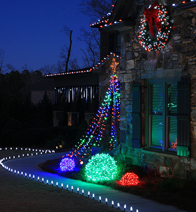 Top 10 outdoor christmas lights ideas get go technology for Simple outside christmas lights ideas