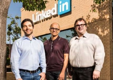 microsoft-linkedin-paying-1.75-crore
